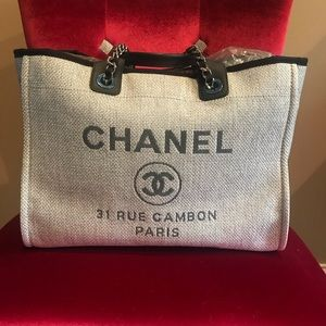 CHANEL Large Deauville Tote in Grey🐘👜